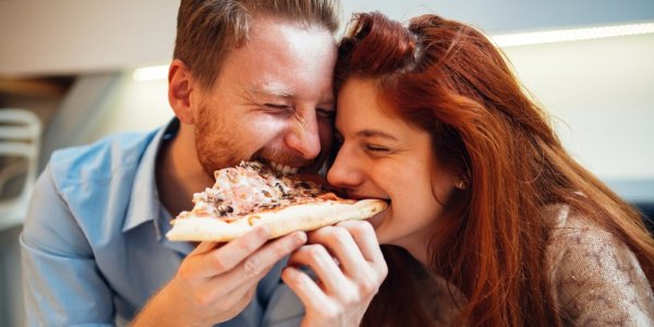we-now-know-that-americans-like-to-eat-pizza-and-ice-cream-before-sex